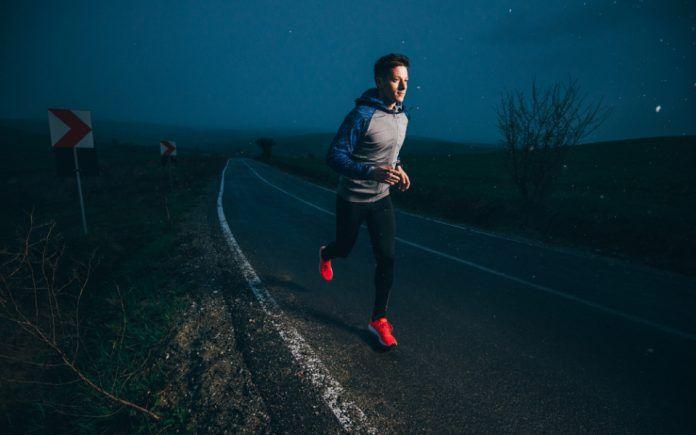 correr en la noche con seguridad